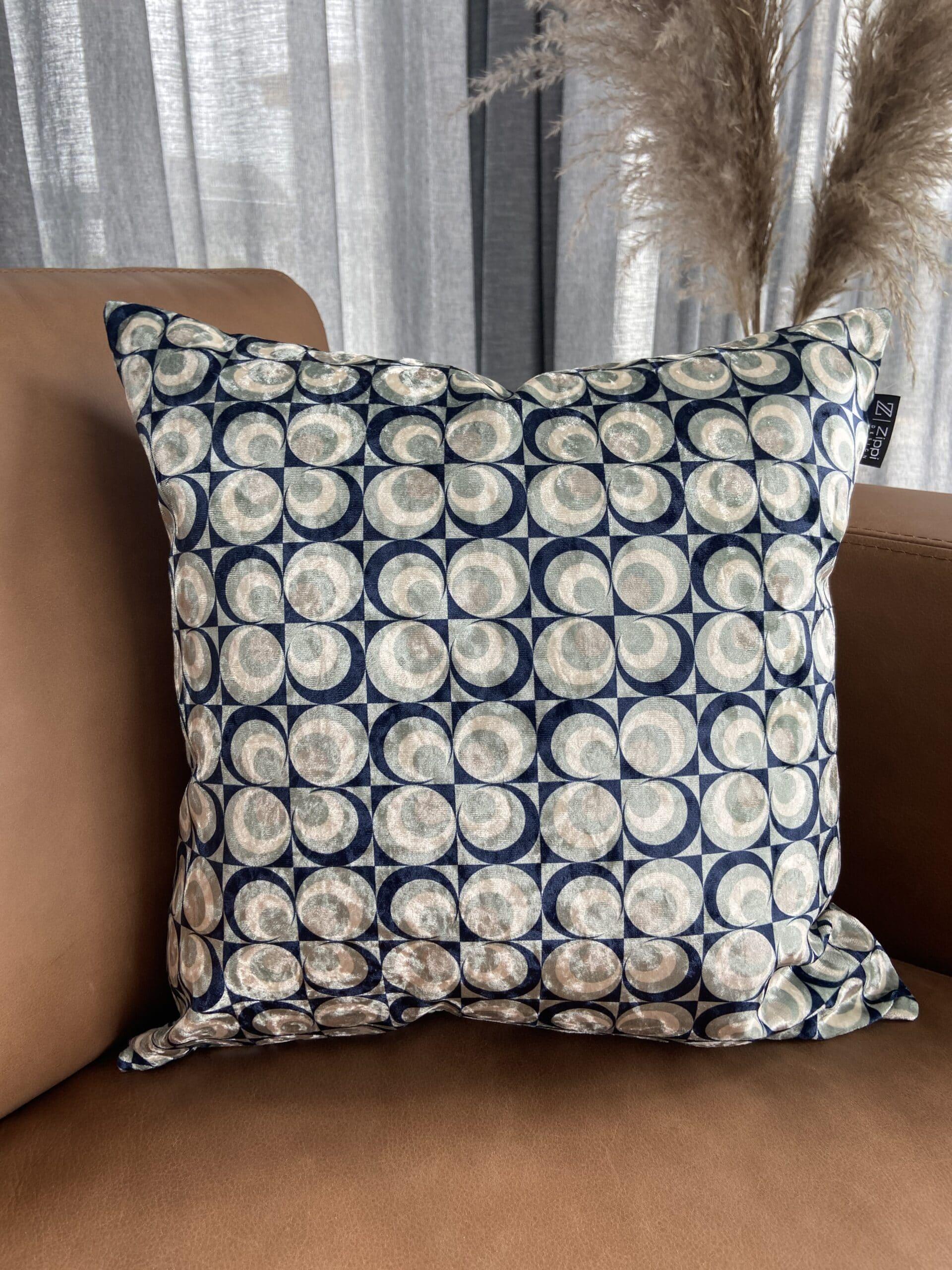 seventies art blauw grijs fluweel velvet luxe sierkussen zippi design