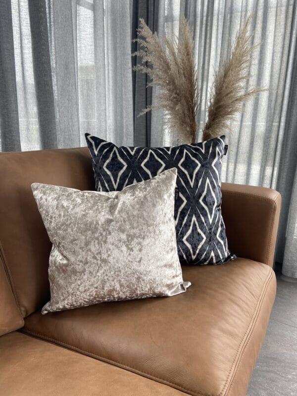afrika style huid fluweel groot sierkussen zwart wit luxe zippi design sierkussen
